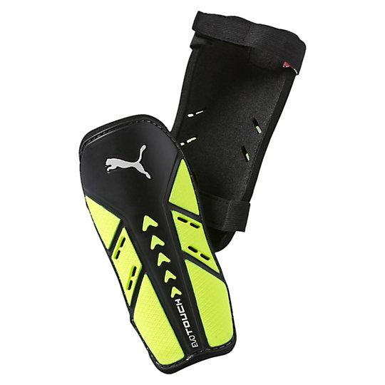 Футбольные щитки evoTouch guardСпортивные аксессуары<br>Футбольные щитки evoTouch guard<br>Эффективная защита от ударов, легкая подкладка из EVA и двойные эластичные ремешки, удерживающие щитки на ногах - эта модель поможет вам выложиться в игре на сто процентов.<br><br>Коллекция: Осень-зима 2016<br>Материал: Полипропилен<br>Вид спорта: Футбол<br>Ударопрочная оболочка<br>Подкладка из пеноматериала EVA для большей поддержки и удобства<br>Два эластичных ремешка надежно фиксируют щитки<br>Страна-производитель: Индия<br><br><br>size RU: M<br>gender: Male