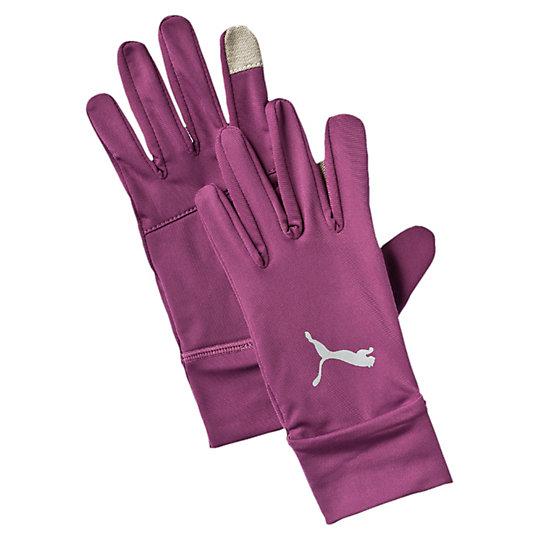 Перчатки PR Performance GlovesСпортивные аксессуары<br>Перчатки PR Performance GlovesБлагодаря специальным накладкам на большом и указательном пальцах, в этих теплых беговых перчатках удобно работать с электронными устройствами.Коллекция: Осень-зима 2016Материал: 87% полиэстер, 13% спандексВид спорта: БегДлинные и мягкие манжетыОтверстие в манжете левой перчатки для быстрого доступа к часамМаленький накладной карман для ключей на ладони правой перчаткиСветоотражающий логотип PUMAСтрана-производитель: Гонконг<br><br>size RU: M<br>gender: Male