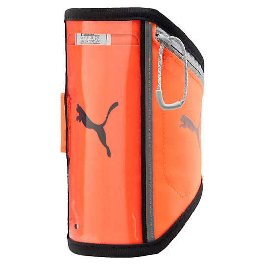 Чехол на руку PR I Sport Phone Armband PСпортивные аксессуары<br>Чехол на руку PR I Sport Phone Armband PЭтот чехол предназначен для переноски iPhone 6 во время пробежки. Выпускается в размерах S/M и L/XL.Коллекция: Осень-зима 2016Материал: 90% эластан с термополиуретановой подкладкой, 10% термополиуретанРазмеры: S/M (охват плеча 24–29 см) и L/XL (охват плеча 30–38 см)Вид спорта: БегЦвет: черныйПодходит для iPhone 6 и других устройств размеров 8,5 x 15,5 смОкошко для работы с сенсорным экраномРегулируемая застежка-липучкаМаленький карман на молнии для ключей или денегСветоотражающий фирменный логотип PUMAСтрана-производитель: Нидерланды<br><br>size RU: L/XL<br>gender: Unisex