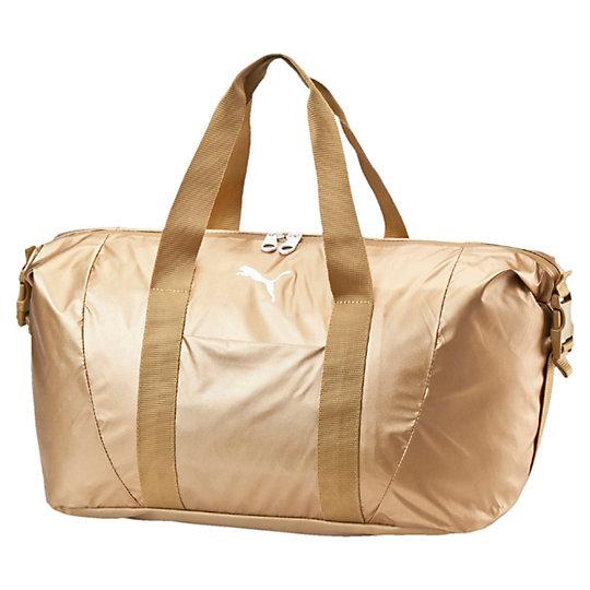 Сумка Fit AT Workout Bag GOLDСумки<br>Сумка Fit AT Workout Bag GOLDЭта спортивная сумка подойдет как для похода в спортзал, так и для прогулки по городу. Пластиковая пряжка сбоку позволяет регулировать размер и форму сумки. Основное отделение с двухсторонней молнией, накладной карман спереди, внутреннее набивное отделение для ноутбука, непромокаемое дно, длинные тканевые лямки с набивкой для переноски.Коллекция: Осень-зима 2016Материал: 80% нейлон, 20% полиэстерРазмеры: 45 x 29 x 18 см (20 л)Вид спорта: ТренингЦвет: золотойСтрана-производитель: Гонконг<br><br>size RU: OSFA<br>gender: Female