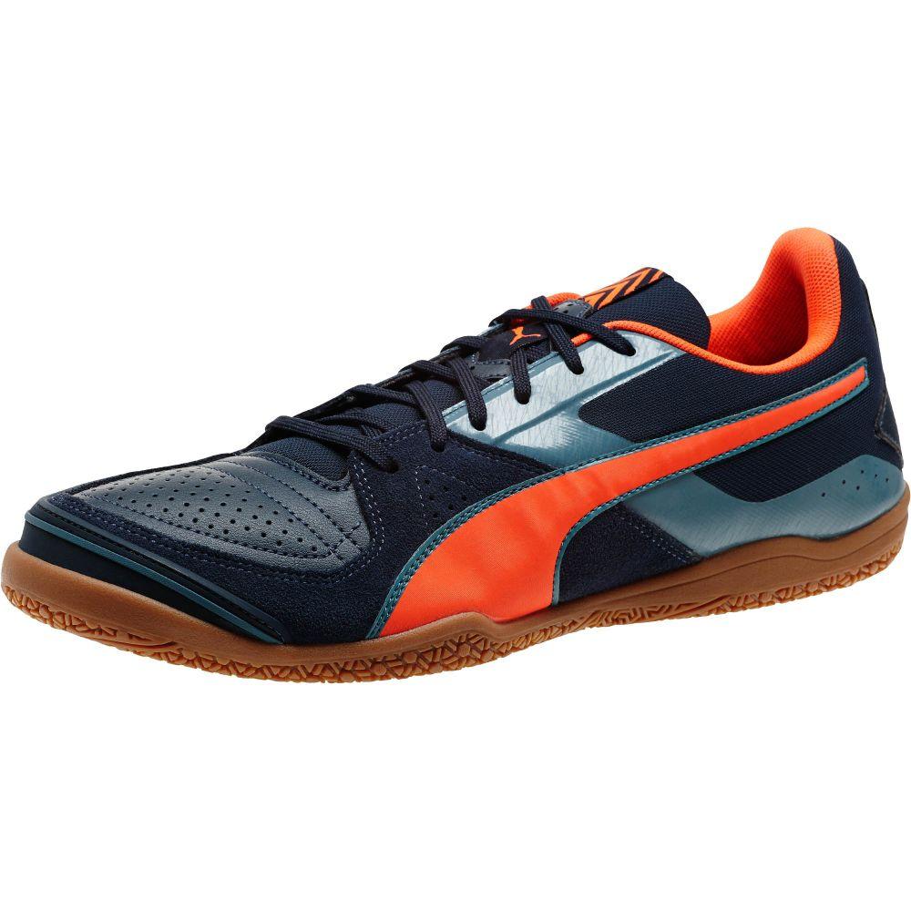 Indoor soccer shoes