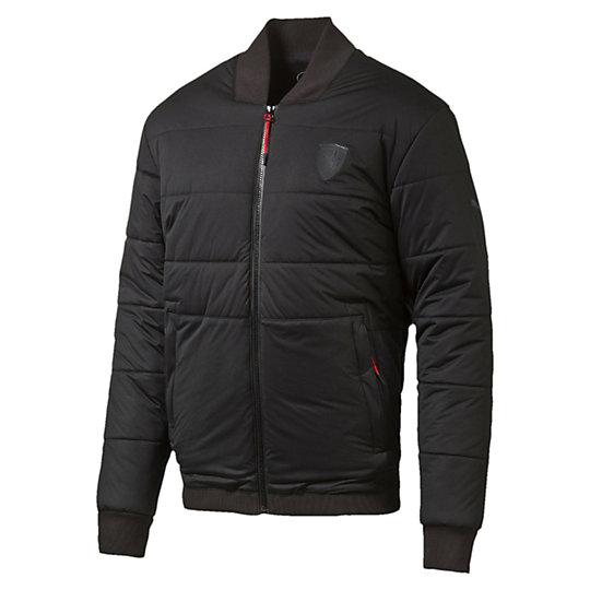 Куртка Ferrari Padded JacketКуртки, жилеты<br>Куртка Ferrari Padded Jacket<br>Стеганая куртка, демонстрирующая лучший образец дизайна Ferrari. Свободный крой позволяет комбинировать куртку с другими вещами, удобный фасон и элементы в стиле автоспорта выглядят дерзко и современно.<br><br>Коллекция: Осень-зима 2016<br>Состав: 100% полиэстер; водонепроницаемое покрытие<br>Технологии: warmCELL сохранит комфортную температуру тела даже в холодную погоду<br>Бейсбольный воротник<br>Полноразмерная застежка-молния<br>Два кармана на молнии<br>Внутренний карман на груди<br>Логотип Ferrari на груди слева<br>Логотип PUMA на правом плече<br>Страна-производитель: Тайвань<br><br><br>size RU: 44-46<br>gender: Male