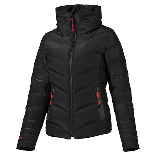 Куртка Ferrari Down JacketКуртки, жилеты<br>Куртка Ferrari Down Jacket<br>Стильная и теплая куртка Ferrari Down Jacket. Высокотехнологичный дышащий материал warmCELL сохранит комфортную температуру тела даже в холодную погоду.<br><br>Коллекция: Осень-зима 2016<br>Состав: 67% нейлон, 33% полиэстер. Наполнитель: 80% пух (некрашеный), 20% перо (некрашеное)<br>Технологии: warmCELL<br>Страна-производитель: Тайвань<br><br><br>size RU: 46-48<br>gender: Female