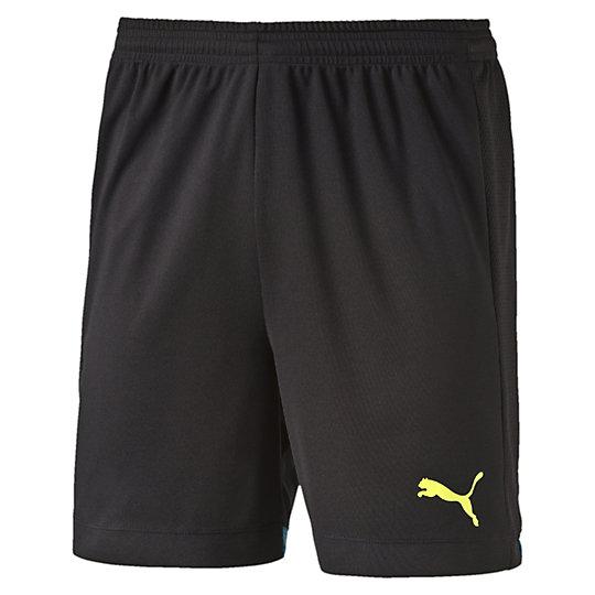 Шорты  IT evoTRG ShortsШорты<br>Шорты  IT evoTRG Shorts <br> Шорты IT evoTRG Shorts от Puma — футбольные мужские шорты, которые подойдут как для спортзала, так и для игр на открытом воздухе. Вы будете всегда ощущать истинный комфорт высокотехнологичной одежды компании Puma с применением уникальной технологии dryCELL. <br> <br>Коллекция: Весна-лето 2016 года.<br>Эластичный пояс со шнурком;<br>Боковые вставки из сетчатой ткани с фирменными полосками Puma;<br>Вставки из сетчатой ткани в задней части;<br>Принт эмблемы кошки Puma на левой штанине;<br>Напечатанный на внутренней стороне логотип evoTRG;<br>Высокофункциональная технология dryCELL, выводящая влагу и позволяющая коже оставаться сухой и в комфорте во время занятий.<br>Материал: 100% полиэстер.<br><br><br>size RU: 46-48<br>gender: Male