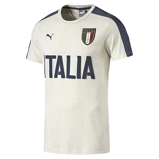 �������� FIGC Italia Azzurri Graphic Tee�������� � �����<br>�������� FIGC Italia Azzurri Graphic Tee <br> �������� FIGC Italia Azzurri Graphic Tee �� Puma � �������� ��� ����� ������ ����������� ������������ �������, ������� ��������, ����� ����� ������ � ����� ������� �, ����� �������, ���������� ���� ����������� ���������� ���������������� ������� ������� ������������� ��������� � ����� ������. ������������ ������������ ������� � ����� ������ � ��������� Puma � �������� FIGC. <br> <br>���������: �����-���� 2016 ����.<br>����������� ������� ������� FIGC;<br>������� ITALIA ����� ��� �����;<br>������� PUMA;<br>����������� ����� ��� ��������;<br>����������� �����.<br>��������: 51% ������ 49% ���������.<br><br><br>size RU: 46-48<br>gender: Male