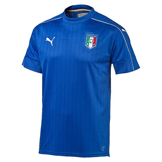Футболка FIGC Italia Home Shirt ReplicaФутболки и майки<br>Футболка FIGC Italia Home Shirt ReplicaВдохновленные традициями итальянских портных наши дизайнеры создали эту футболку для фанатов команды во всем мире. Высокофункциональный материал выводит влагу наружу и позволяет коже оставаться сухой в любое время.Коллекция: Осень-зима 2016Материал: 100% полиэстер Технологии: dryCellЦвет: синийВышитая эмблема FIGC Логотип подлинности Вставки из сетки под мышками<br><br>size RU: 46-48<br>gender: Male