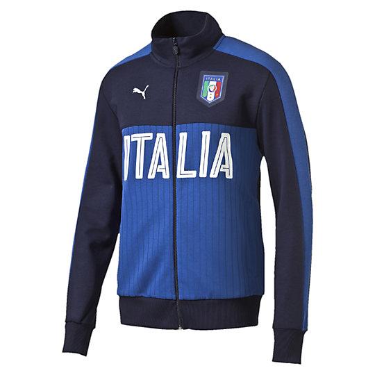 Олимпийка FIGC Italia Fanwear Track JacketОлимпийки<br>Олимпийка FIGC Italia Fanwear Track Jacket <br> Эта линия одежды – олицетворение страсти поклонников, влюбленных в успех и традиции итальянского футбола. Олимпийка из хлопка и полиэстера с контрастной отделкой и принтом позволит чувствовать себя комфортно на тренировке и всегда быть готовым к победам. <br> <br>Коллекция: Весна-лето 2016 года.<br>Официальная графическая эмблема FIGC.<br>Принт в тонкую полоску спереди.<br>Застежка на молнии.<br>Итальянский крой. <br>Материал: 70% хлопок 30% полиэстер.<br><br><br>size RU: 50-52<br>gender: Male