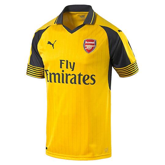 Футболка AFC Away Replica ShirtФутболки и майки<br>Футболка AFC Away Replica Shirt<br>Начало долгой и славной истории «канониров» стало источником вдохновения для серии выездных футболок 2016–17. История и индивидуальность футбольного клуба Арсенал воплощены в каждой модели официальной лицензированной коллекции футбольной одежды PUMA, которую с гордостью носят как фанаты, так и игроки — на матчах и на отдыхе. <br><br>Коллекция: Осень-зима 2016<br>Состав: 100% полиэстер; влагоотводящая обработка на основе биотехнологий<br>Технологии: dryCell выводит влагу наружу, сохраняя сухость и комфорт во время тренировки<br>Вид спорта: Футбол<br>Сетчатые вставки под рукавами улучшают циркуляцию воздуха<br>Классический покрой<br>Тканый официальный логотип AFC<br>Ткань жаккардового переплетения<br>Страна-производитель: Турция<br><br><br>size RU: 44-46<br>gender: Male