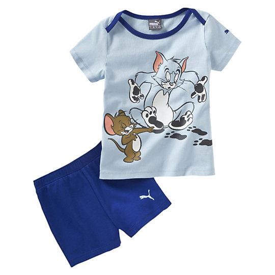 Комплект FUN Tom &amp; Jerry Jr. SetОдежда<br>Комплект FUN Tom &amp;amp; Jerry Jr. SetКомплект FUN Tom &amp;amp;amp; Jerry Jr. Set - это детский яркий комплект от Puma, созданный для мальчиков. Разбработанный для самых маленьких, этот костюм отличается максимальным удобством в процессе ношения и в процессе надевания. Широкая горловина оснащена клапанами для быстрого надевания через голову, а пояс шортиков на резинке комфортен и не перетягивает. Футболка в нежно-голубом цвете украшена ярким и веселым принтом с изображением героев известного мультсериала Том и Джерри, который обожают все дети. Коллекция: Весна-лето 2016 Графический принт с логотипом Puma Графический принт с изображением героев Том и Джерри Пояс на резинке Просторная горловина Материал: 100% хлопок<br><br>size RU: 74<br>gender: Unisex