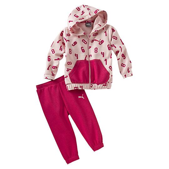 Комплект STYLE Minicats JoggerОдежда<br>Комплект STYLE Minicats JoggerКомплект STYLE Minicats Jogger от Puma - это нежный и красивый детский комплект для маленьких принцесс, которые любят розовый цвет и уютные костюмчики. Комплект представляет собой мягкие штанишки в ярко-розовом цвете с эластичной поясной резинкой, не стягивающей кожу, а также нежно-розовую толстовку с ярким принтом, уютным капюшоном и большим карманом-кенгуру впереди. Этот комплект станет домашним костюмом, теплой пижамой для холодного сезона, удобным костюмом для прогулок или спортивным набором для самых маленьких спортсменов. Коллекция: Весна-лето 2016 Вышитый принт с логотипом Puma Передний карман-кенгуру Пояс на резинке и эластичные манжеты Материал: 70% хлопок, 30% полиэстер<br><br>size RU: 92<br>gender: Female