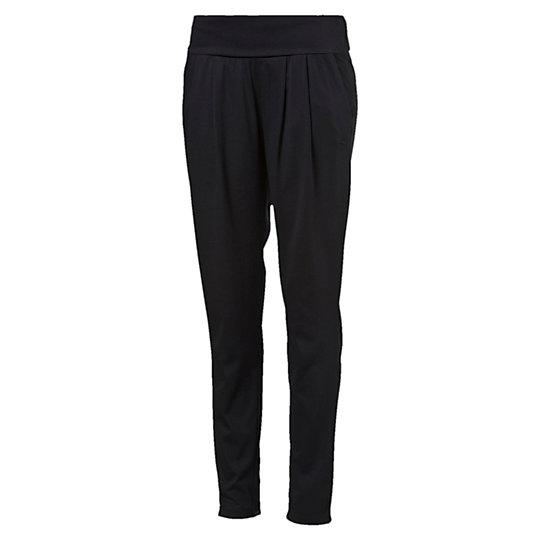 Брюки ESS Drapy Pants WБрюки и леггинсы<br>Брюки ESS Drapy Pants W<br>В те моменты, когда нужно сосредоточиться на деле, нет ничего хуже одежды, которая давит и сковывает движения. Поэтому мы разработали эти свободные брюки-стретч, которые позволяют коже дышать и не ограничивают движения. Вам нужно лишь подобрать к ним любимую футболку и отправляться на тренировку.<br><br>Коллекция: Осень-зима 2016<br>Состав: полиэстер 65%, хлопок 35%; влагоотводящая обработка на основе биотехнологий.<br>Сложенный вдвое эластичный пояс для удобной посадки по фигуре<br>Классический покрой<br>Вышитый логотип PUMA Cat на левом бедре<br>Страна-производитель: Китай<br><br><br>size RU: 40-42<br>gender: Female