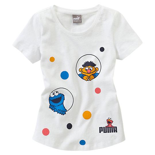 Футболка Sesame Street Girls' T-ShirtОдежда<br>Футболка Sesame Street Girls' T-Shirt<br> Милая футболка Sesame Street марки PUMA добавит красок и веселья в гардероб маленькой модницы.<br><br>Коллекция: Осень-зима 2016<br>Состав: 100% хлопок; влагоотводящая обработка на основе биотехнологий<br>Круглый вырез<br>Страна-производитель: Бангладеш<br><br><br>size RU: 110<br>gender: Girls
